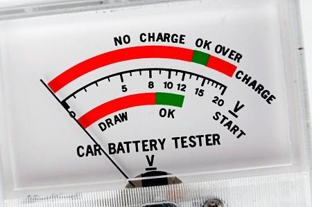 тестер для измерения тока зарядки аккумулятора
