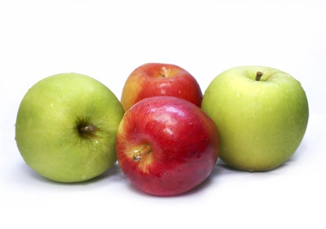 apples-455396_1280