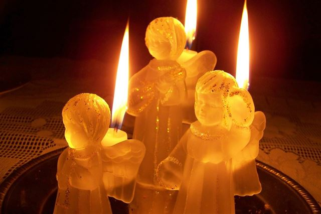 candles-209511_1280