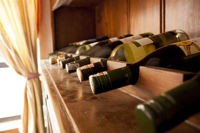 wine-bottles-93239_1280
