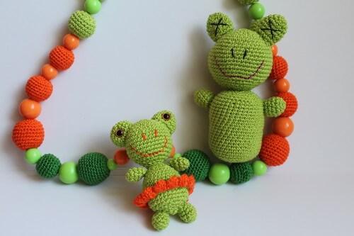 Слингобусы-с-лягушкой-и-погремушкой-2