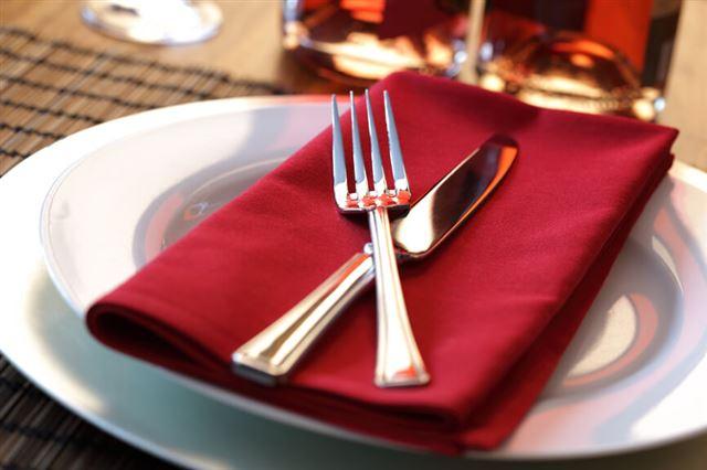 Restaurant dinner place setting