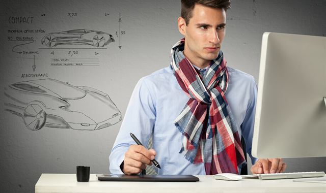 designer draws a model car