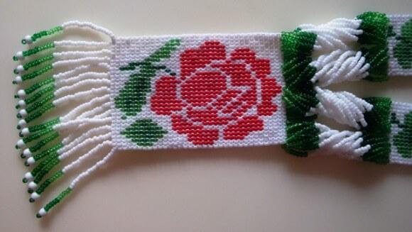 гердан-роза-своими-руками-3-580x327