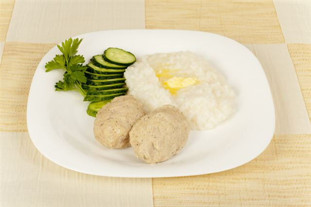 steam meat cutlets with rice cereal