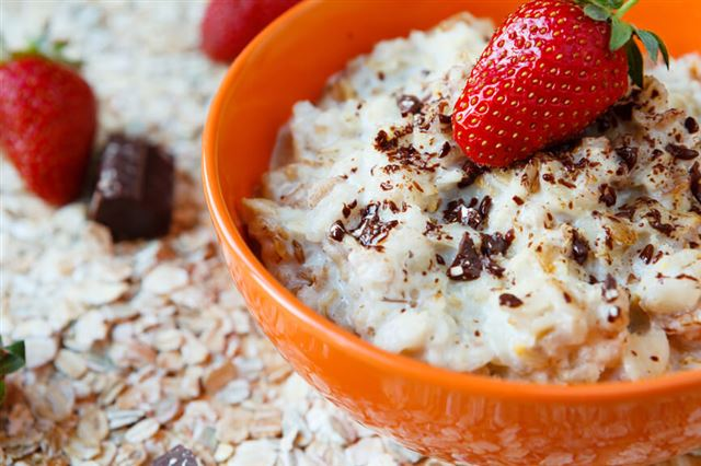 porridge with fruit, healthy breakfast