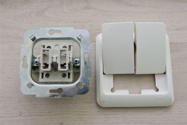 Выключатель одноклавишный на стене