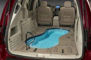 Бассейн в машине