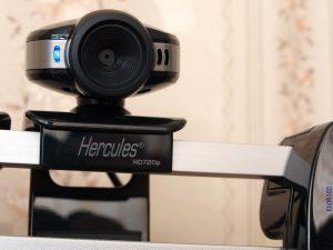 Монитор с веб-камерой