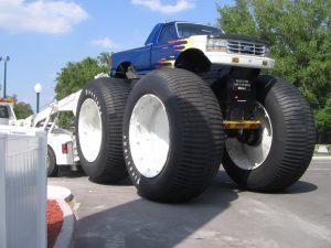 Огромные джипы