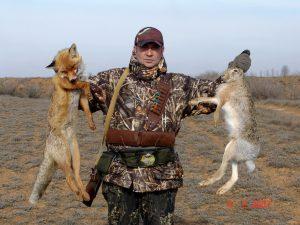 Охотник с добычей