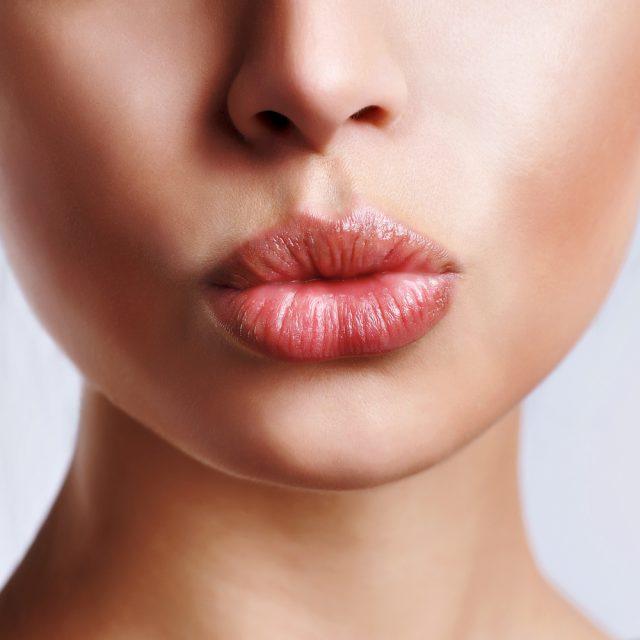 Гимнастика для губ