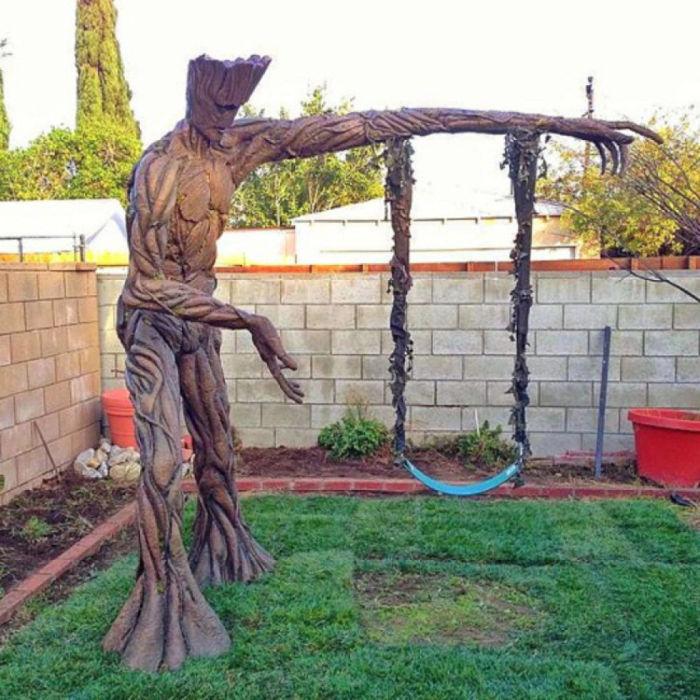 Необычные садовые качели
