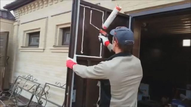 Способы утепления входной двери
