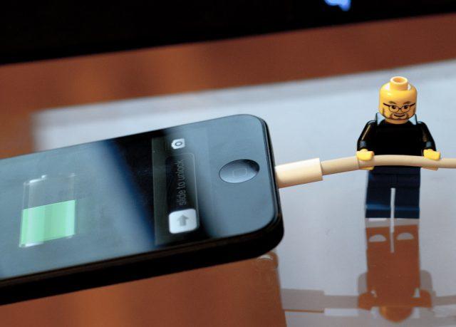 Телефон на подзарядке