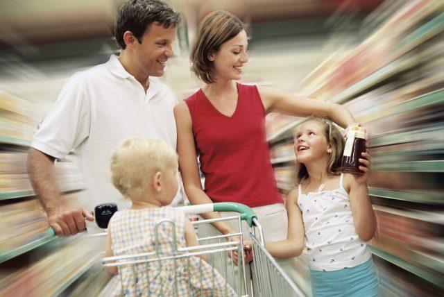 В магазине с детьми