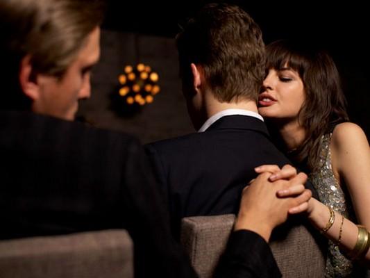 измена жены с пьяну