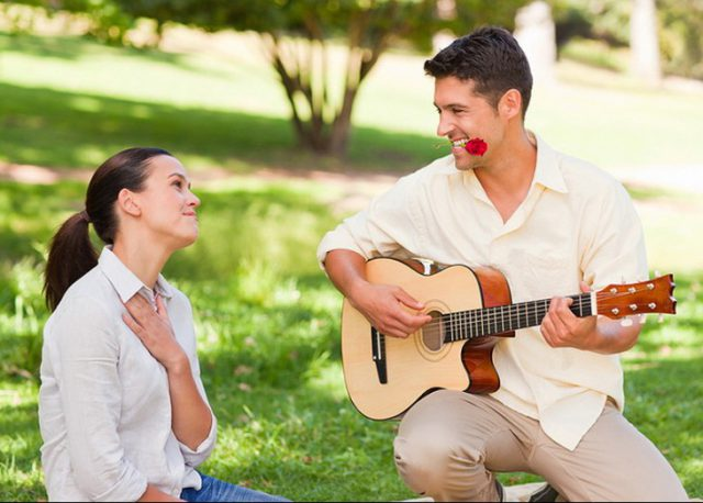Парень признется в любви