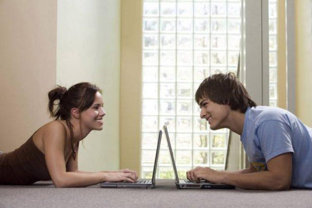 Познакомиться в интернете с девушкой