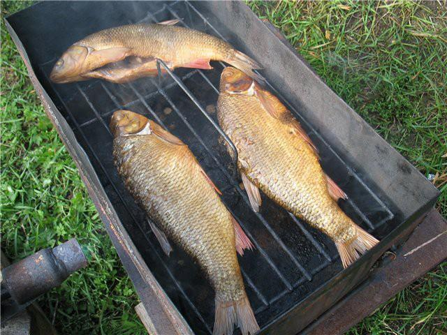 Как правильно коптить рыбу