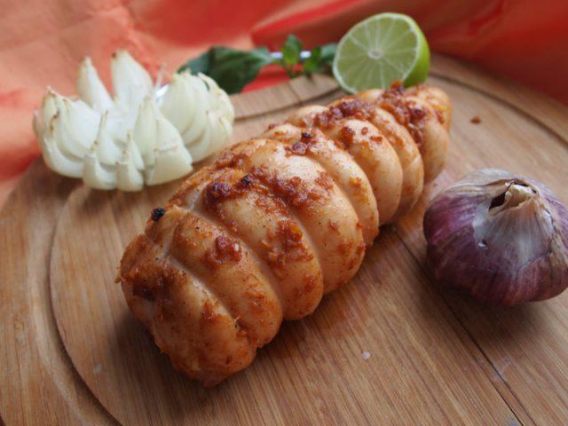 Как запечь куриное филе пастрома