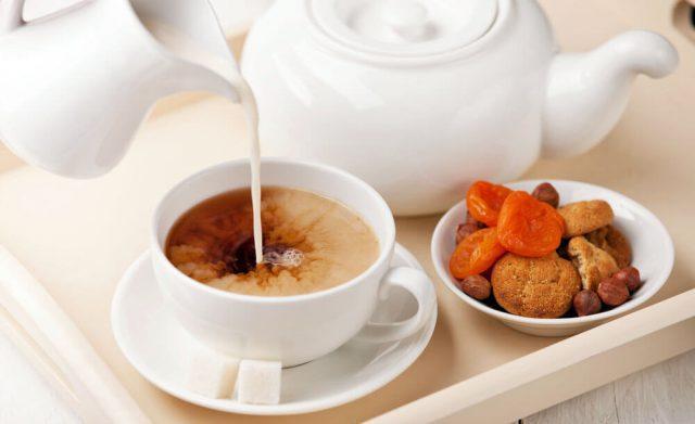 Как заваривать чай с молоком