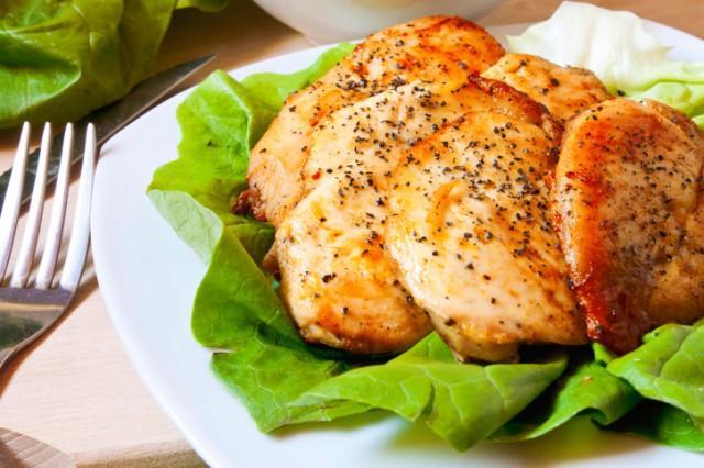 Запекать курицу в духовке