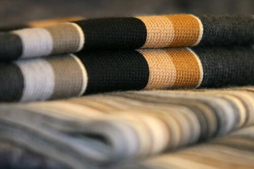 Как и чем украсить шарф своими руками 39