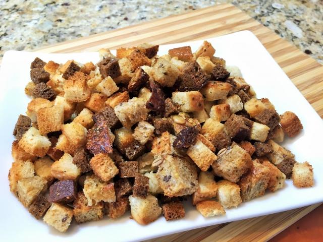 сделать сухари дома из хлеба соленые
